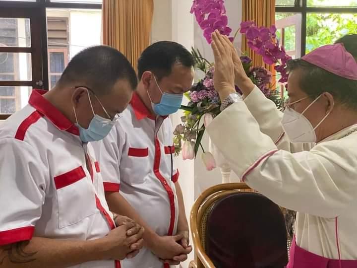 Uskup Benedictus Esthepanus Rolly Untu Doakan CS – WL