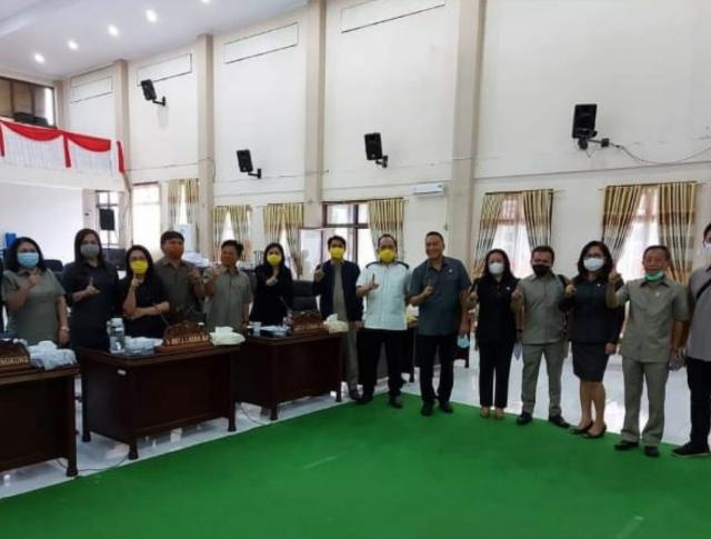 Diduga Gunakan Fasilitas Negara, Walikota Kampanyekan Salah Satu Paslon di Gedung DPRD