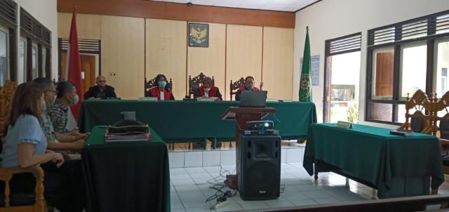 Para Tergugat Kasus THL Cacat Akibat Pasang Baliho, Terancam Putus Verstek