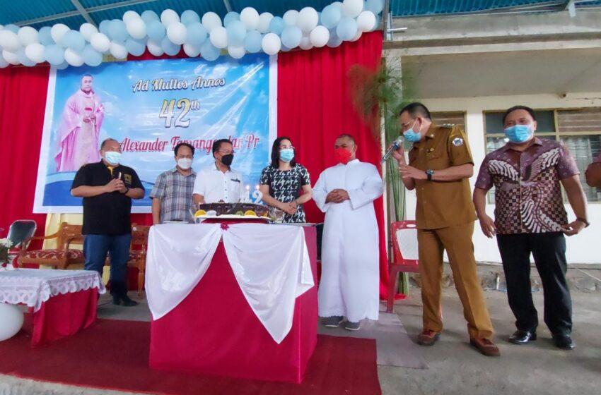 Wakil Walikota : Selamat Bersyukur Pastor Alexander Tamangendar