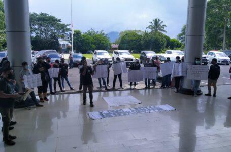 Adanya Demo Mahasiswa Terkait Pungli, PR 4 Akui Jika Pejabat Unima Perlu Dibersihkan