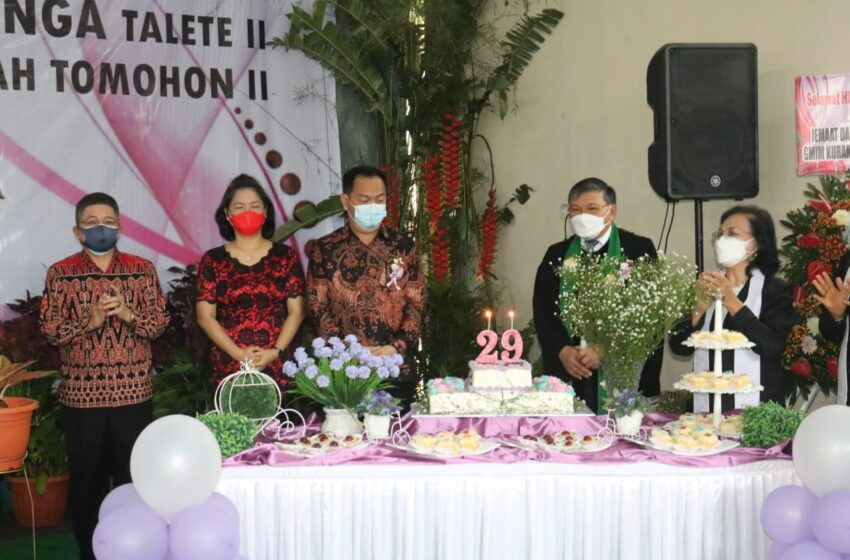 Di Ibadah Syukur HUT Jemaat GMIM Kuranga Ke 29, Walikota Ingatkan Masyarakat Patuhi Prokes dan Vaksinasi