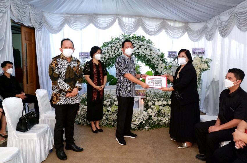 Walikota – Ketua DPRD Melayat di Rumah Duka Alm Pdt Berenhard
