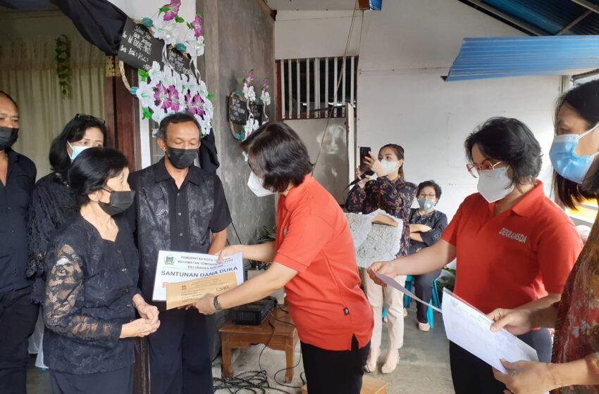 Bunda Syanet dan Bunda Eleonora Salurkan Dana Duka ke Keluarga Alm Jeheskiel Pangemanan
